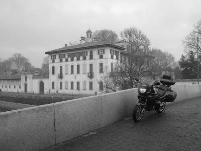 Villa Visconti Maineri a Cassinetta di Lugagnano