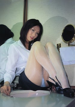 Iisaku Ayuri 飯作あゆり