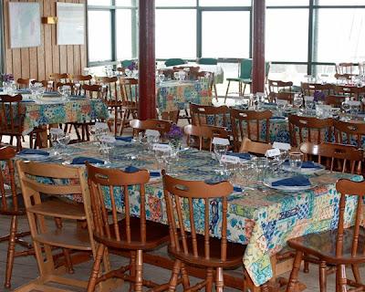 Festlig borddækning i klubhuset