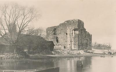 Развалины замка Нейшлотприм. 1935 г.(из личного архива автора)