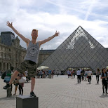 jogging by le louvre in Paris, Paris - Ile-de-France, France