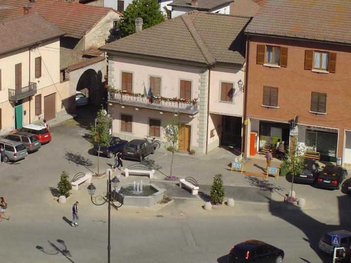 Piazza Est - piazza6.JPG
