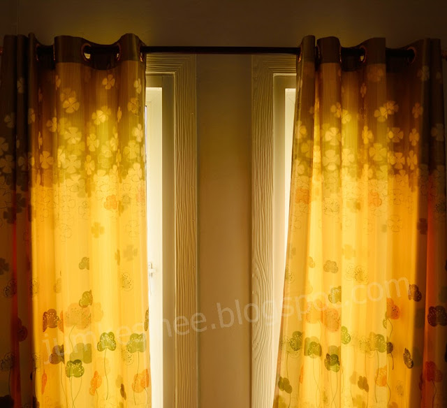 Blinds in Tungyai resort's row house