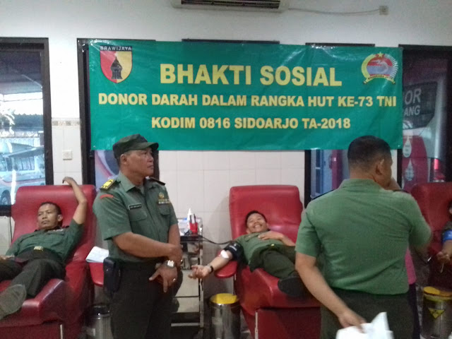 KODIM 0816 SIDOARJO LAKSANAKAN BAKSOS DALAM RANGKA HUT TNI KE - 73