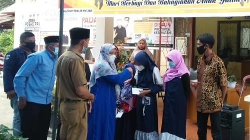 Santuni Anak Yatim Piatu, Camat Desfitawarni Ajak Warga Dukung KT OTS TDS