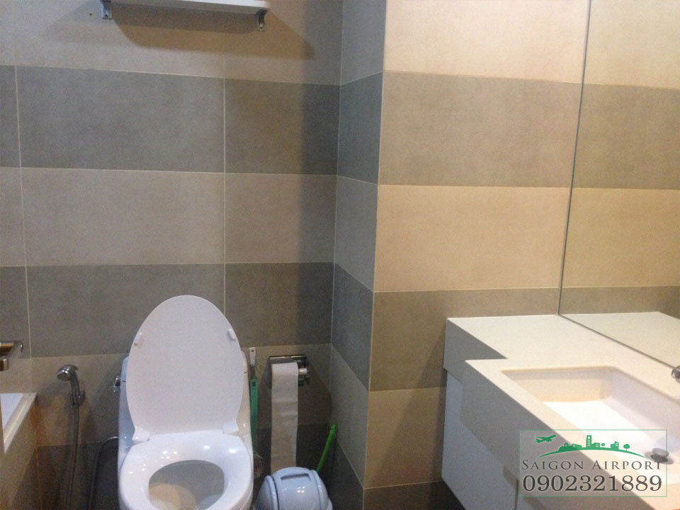 WC can ho saigon airport tower