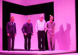 Photo: Wien/ Theater in der Josefstadt: KAFKA - EIN PROJEKT VON ELMAR GOERDEN. Premiere 25.4.2015. Regie: Elmar Goerden. Andre Pohl, Peter Kremer. Toni Slama,  Alexander Absenger, Toni Slama. Foto: Barbara Zeininger