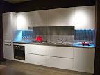 cucina La Casa Moderna in laminato bianco soluzione lineare.JPG