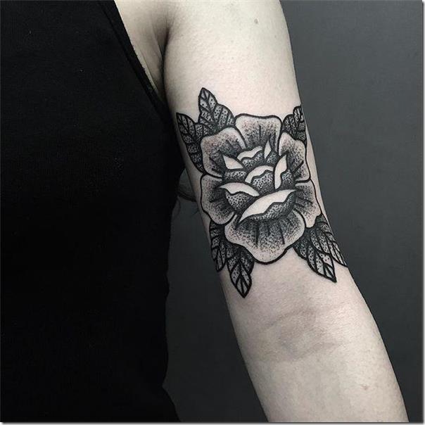 una-flor-con-tonos-ms-oscuros