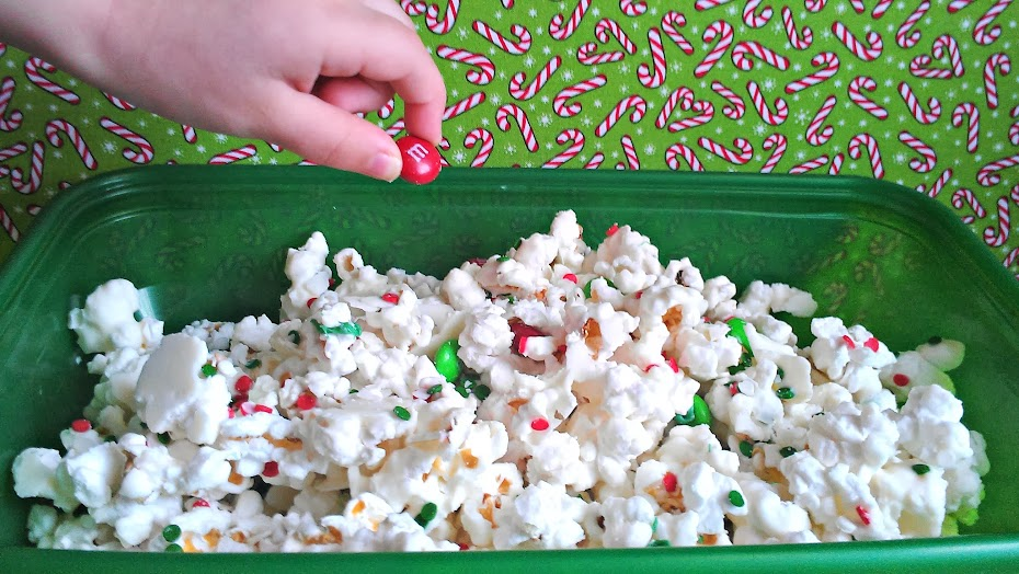 #Christmas Candy Munch Mix Recipe