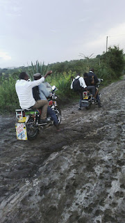 Bodaboda stuck on a mud in Makueni.