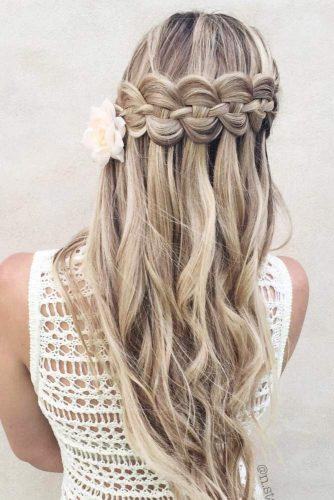 Top 12 Long Hairstyles For Women For This Season 4