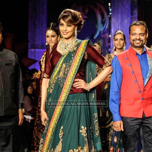Bollywood actress Bipasha Basu walks the ramp for the finale of India International Jewellery Week (IIJW), 2014, held at Grand Hyatt, in Mumbai.