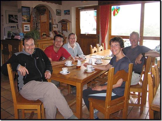 52-Coffee-break-in-Refuge-Le-Roc-de-la-Peche