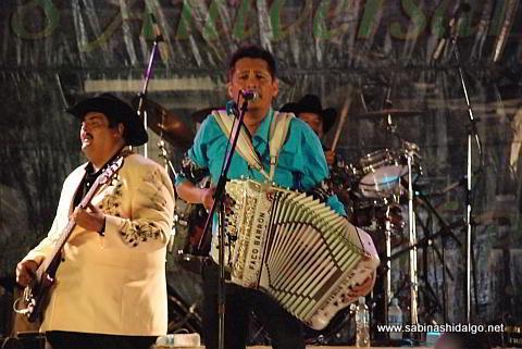 Paco Barrón y su grupo musical