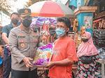 Para Pedagang Lansia di Pasar Larangan Sidoarjo Disuntik Vaksin