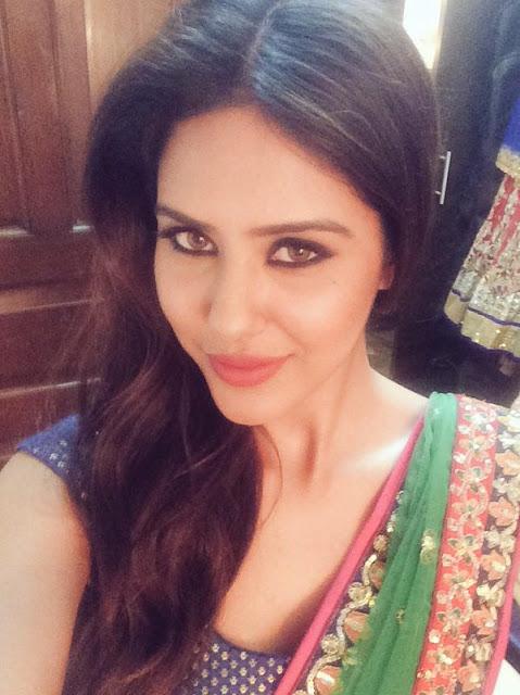 selfie stills of Sonam bajwa
