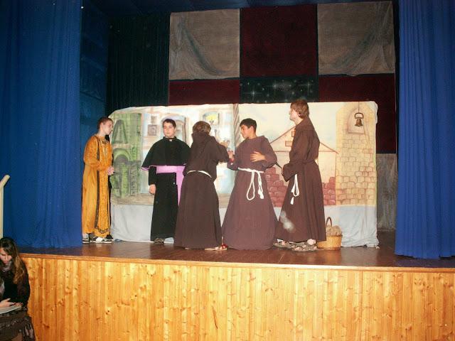 17.11.2013 Divadelní ztvárnění života SV. FRANTIŠKA Z ASSISI - PICT0066.JPG