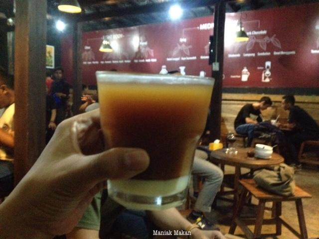 maniak-makan-ngopi-serius-solo-Robusta-Rawaseneng-Temanggung-Honey-Plus-Susu