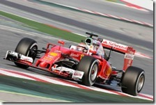 Kimi Raikkonen con la Ferrari nei test di Barcellona 2016