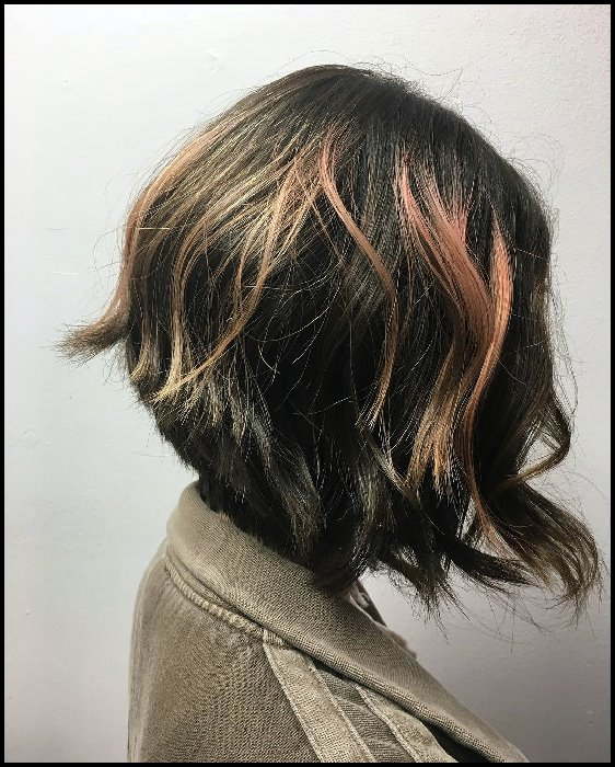 +10 Latest Short Hairstyle For Women Over 40 - 50 1