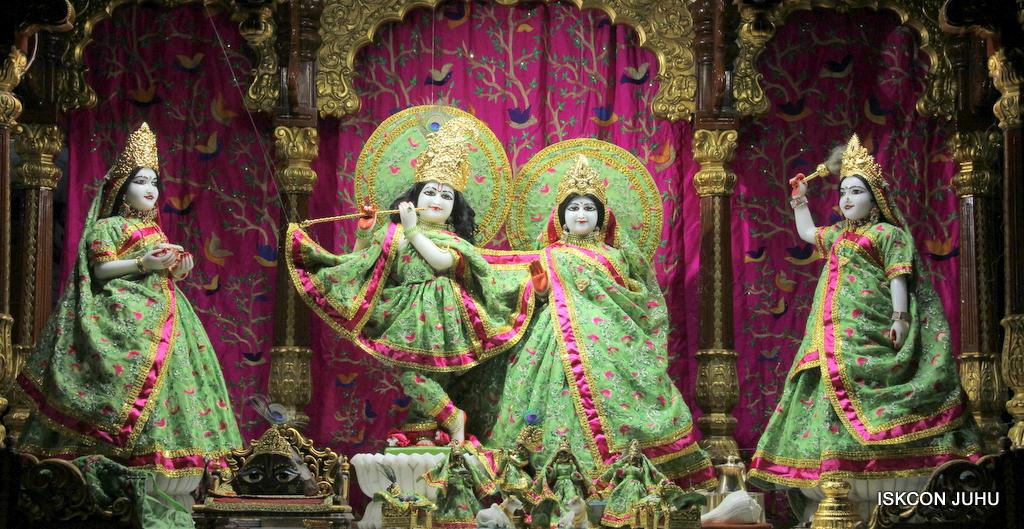 ISKCON Juhu Mangal Deity Darshan on 19th Nov 2016 (20)