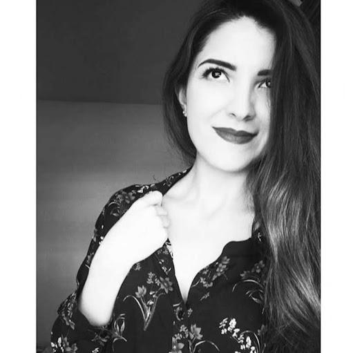 Ana Juarez Photo 30