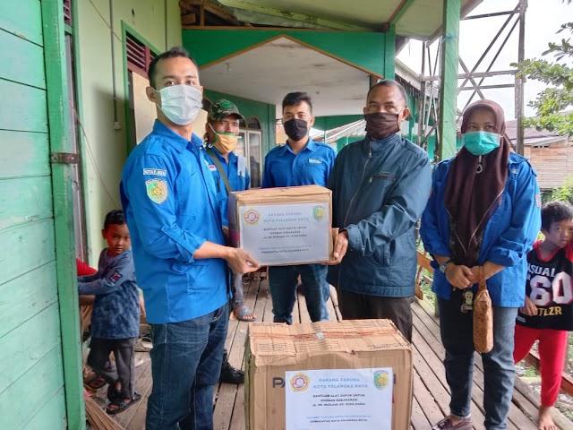 KT Palangka Raya Salurkan Bantuan Korban Kebakaran