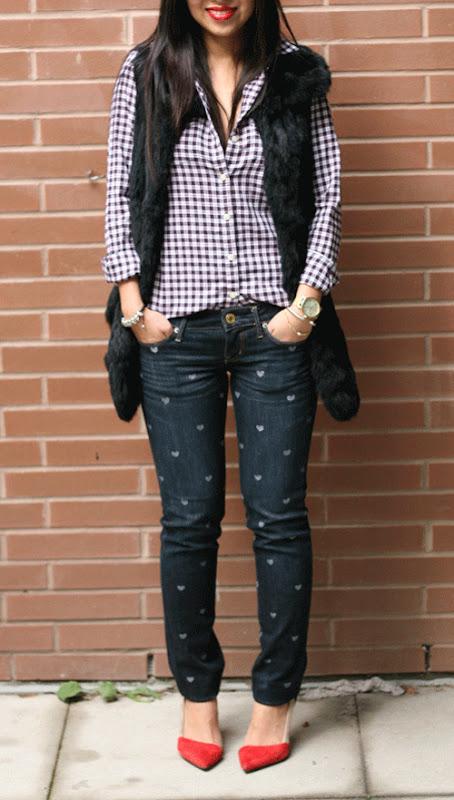 calça jeans com corações