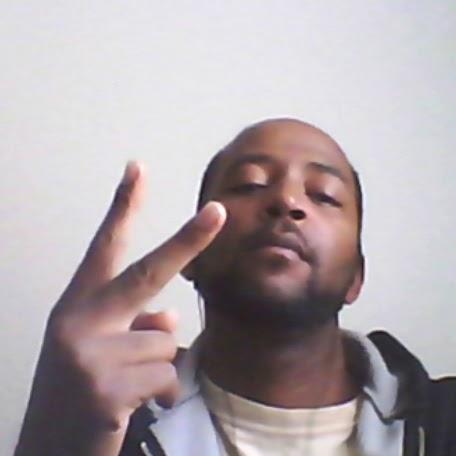 Slim Jones Photo 16