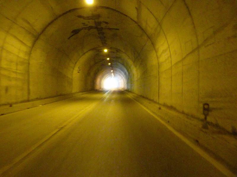 Revêtement parfait,bien agréable dans les tunnels