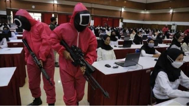 HEBOH. Peserta SKD CPNS Kemenkumham Jatim disambut Pink Soulders ex Squid Game