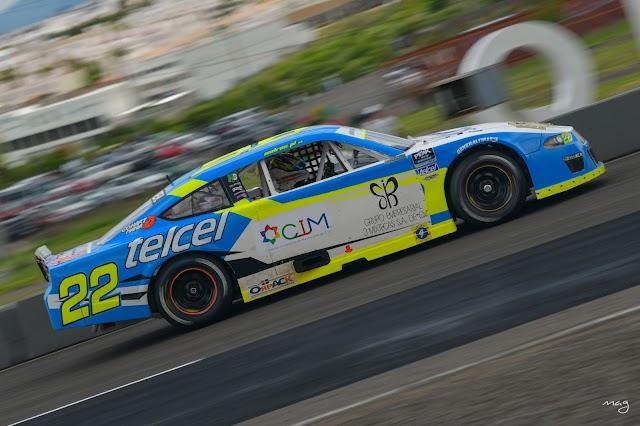LOS PILOTOS DEL HO SPEED RACING EN LA LUCHA POR EL PÓDIUM  EN NASCAR PEAK MEXICO SERIES PUEBLA.