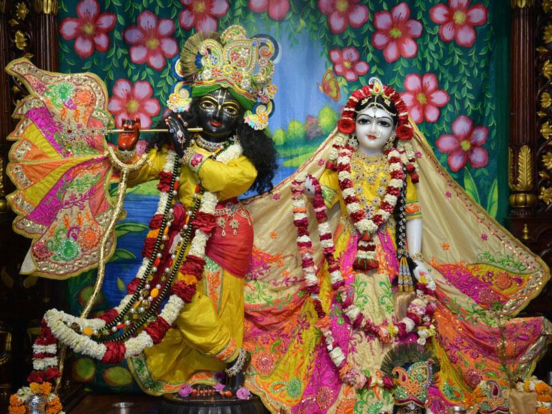 ISKCON Ahmedabad Deity Darshan 02 Mar 2016 (9)