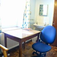 Room 02-Desk