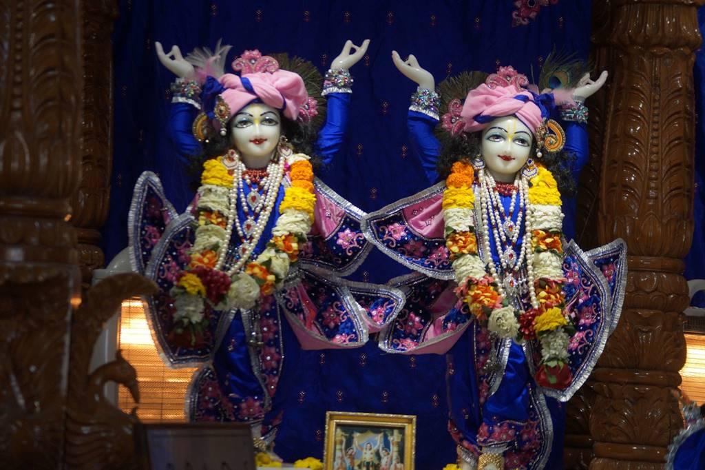 ISKCON Noida Deity Darshan 03 Feb 2016 (5)