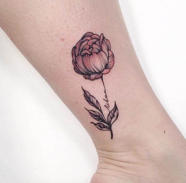 Este delicado desenho do tornozelo