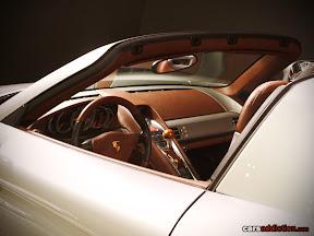 Porsche Carrera GT Side