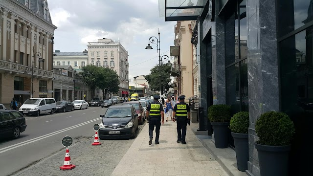 Туристический патруль начал работу в Тбилиси