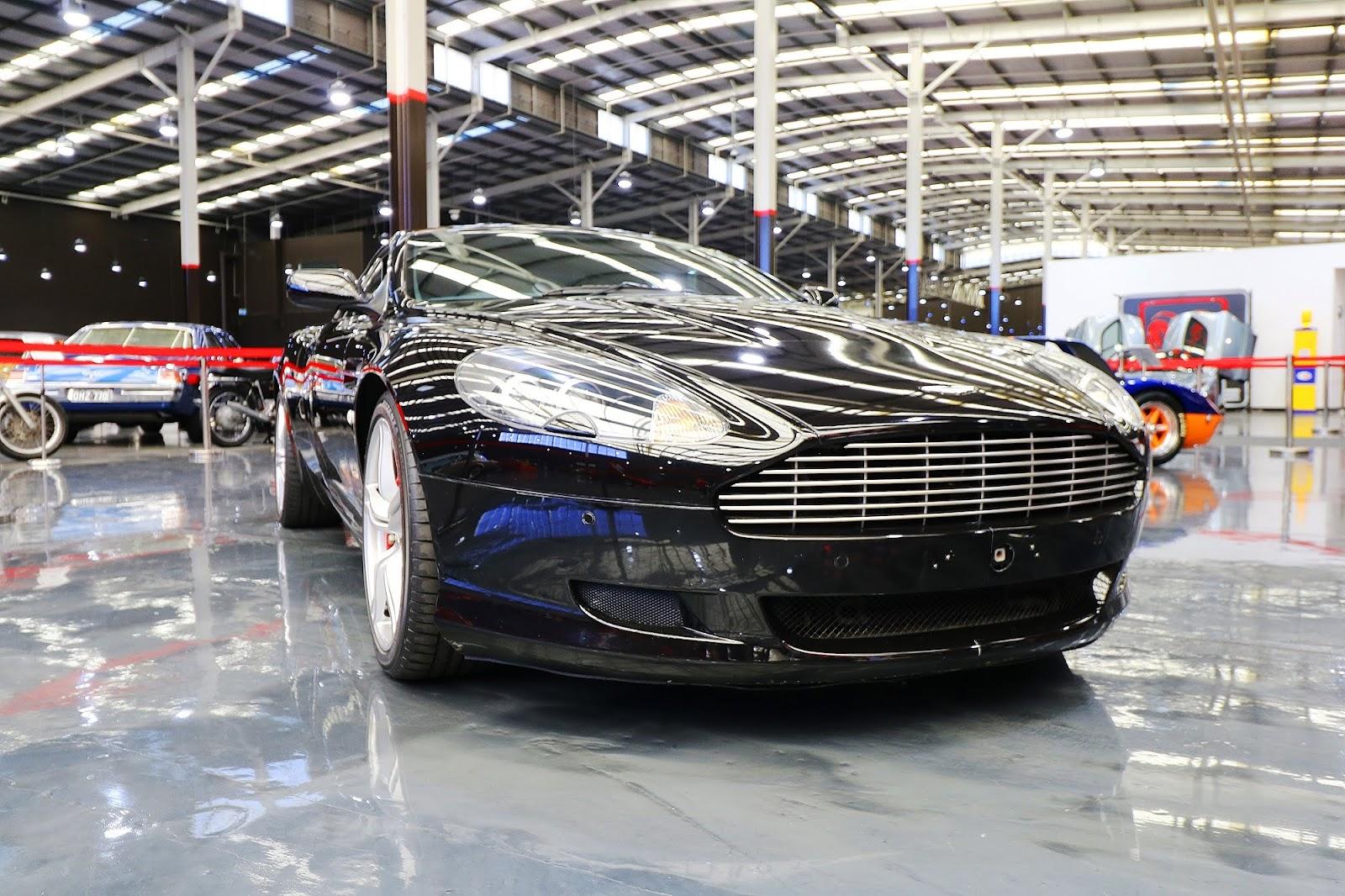 2007 Aston Martin DB9 (09).jpg