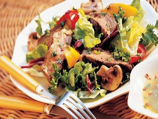 Tossed Summer Steak Salad