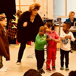 Voorstelling kinderboekenweek interactief muzikaal theater ZieZus met humor liedjes meespelen IMG_2937.jpg