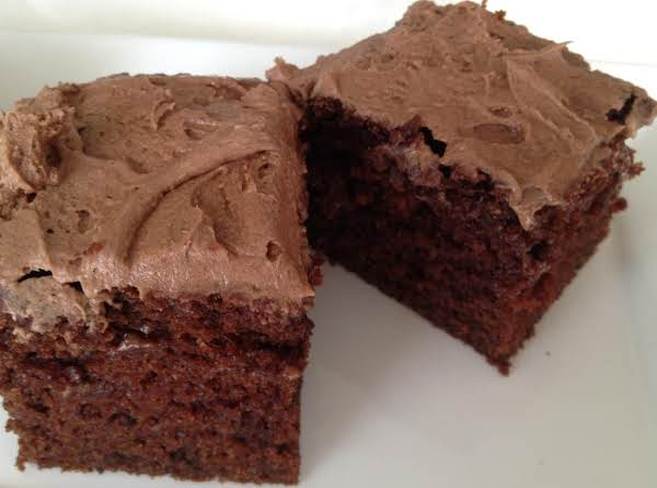 Chocolate Yogurt Cake - This Is A Really Moist Cake And You Can Change The Flavour Of The Cake By Using A Different Flavour Of Yogurt. No Messing Around Put All Ingredients In The Bowl And Then Mix Together.