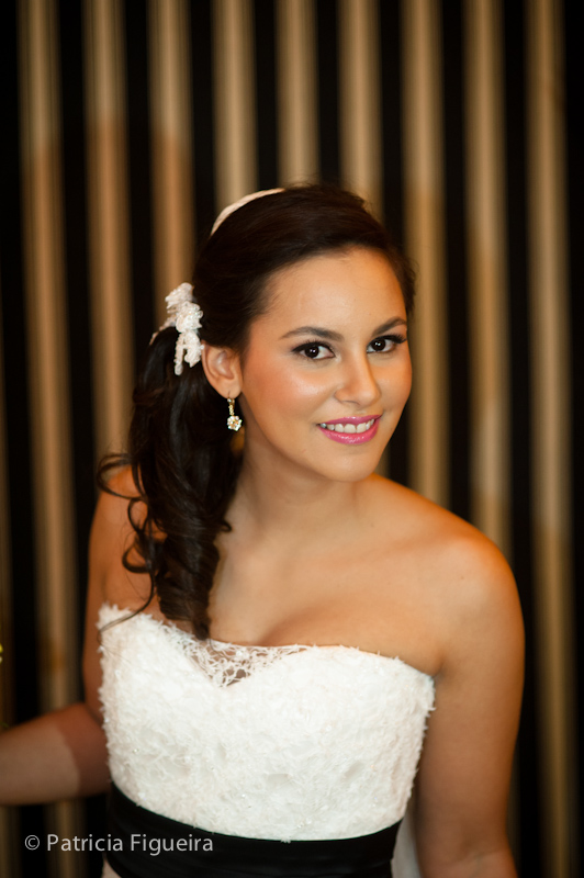 Foto de casamento 0294 de Nina e Guga. Marcações: 24/09/2011, Casamento Nina e Guga, Cotrim, Fotos de Maquiagem, Maquiagem, Maquiagem de Noiva, Rio de Janeiro.
