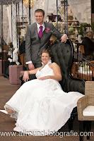 Bruidsreportage (Trouwfotograaf) - Foto van bruidspaar - 083