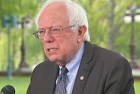 Does Bernie Sanders have a dandruff problem?