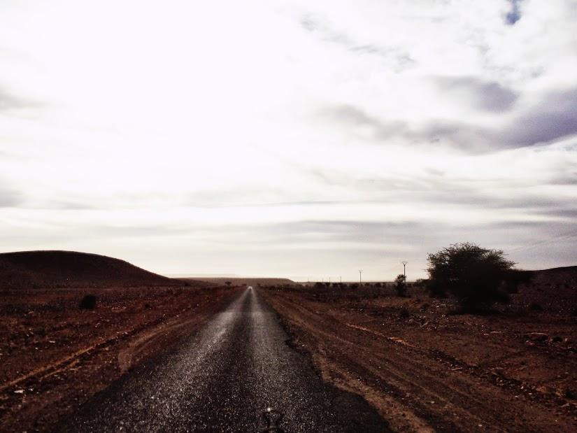 Marrocos e Mauritãnia a Queimar Pneu e Gasolina - Página 12 DSCF1420