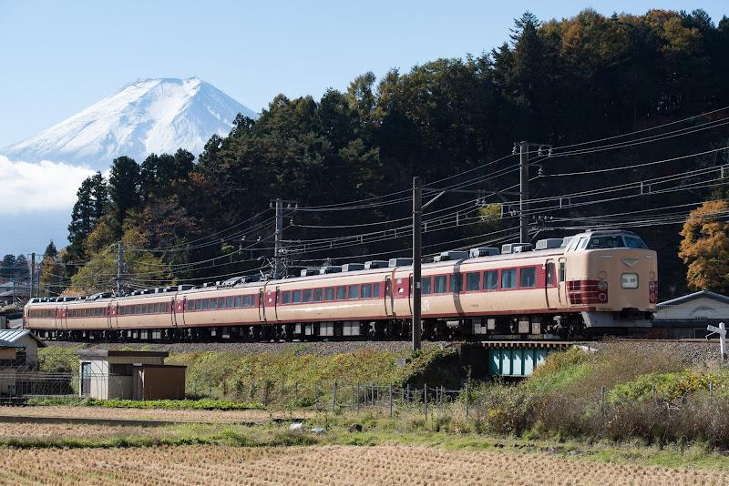 171112 富士山と国鉄色189系快速