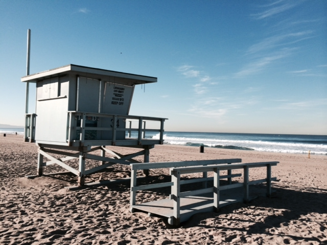 Lifeguard station in Manhattan Beach, in the Southbay area of Los Angeles. From 5 Travel Habits That Instantly Change Your Mood