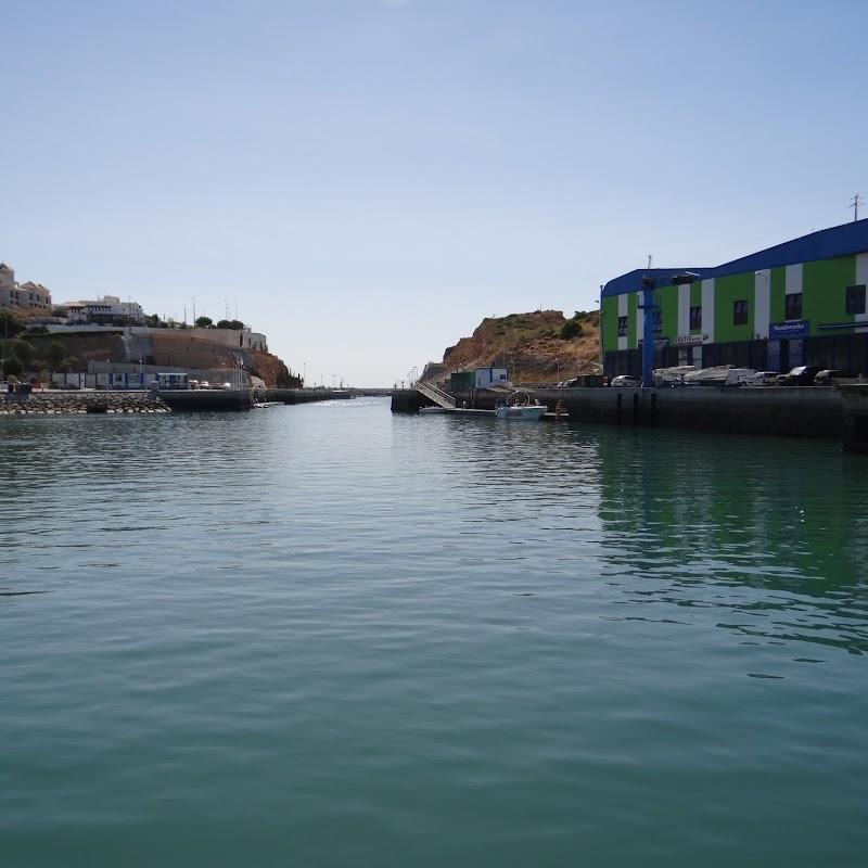 Day_5_Boat_Trip_002.JPG